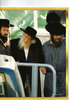 Ami_magazine_april_13_2011_a_surprise_dicovery_the_toldos_aharon_dynasty_page_2_page_1_t