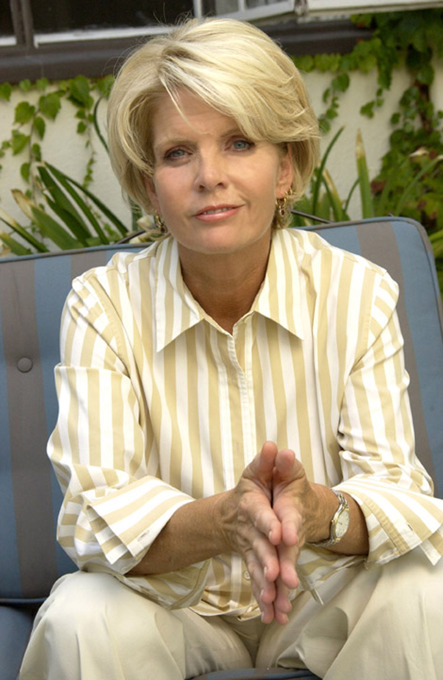 is-meredith-baxter-birney-a-lesbian-nude-cock-slip