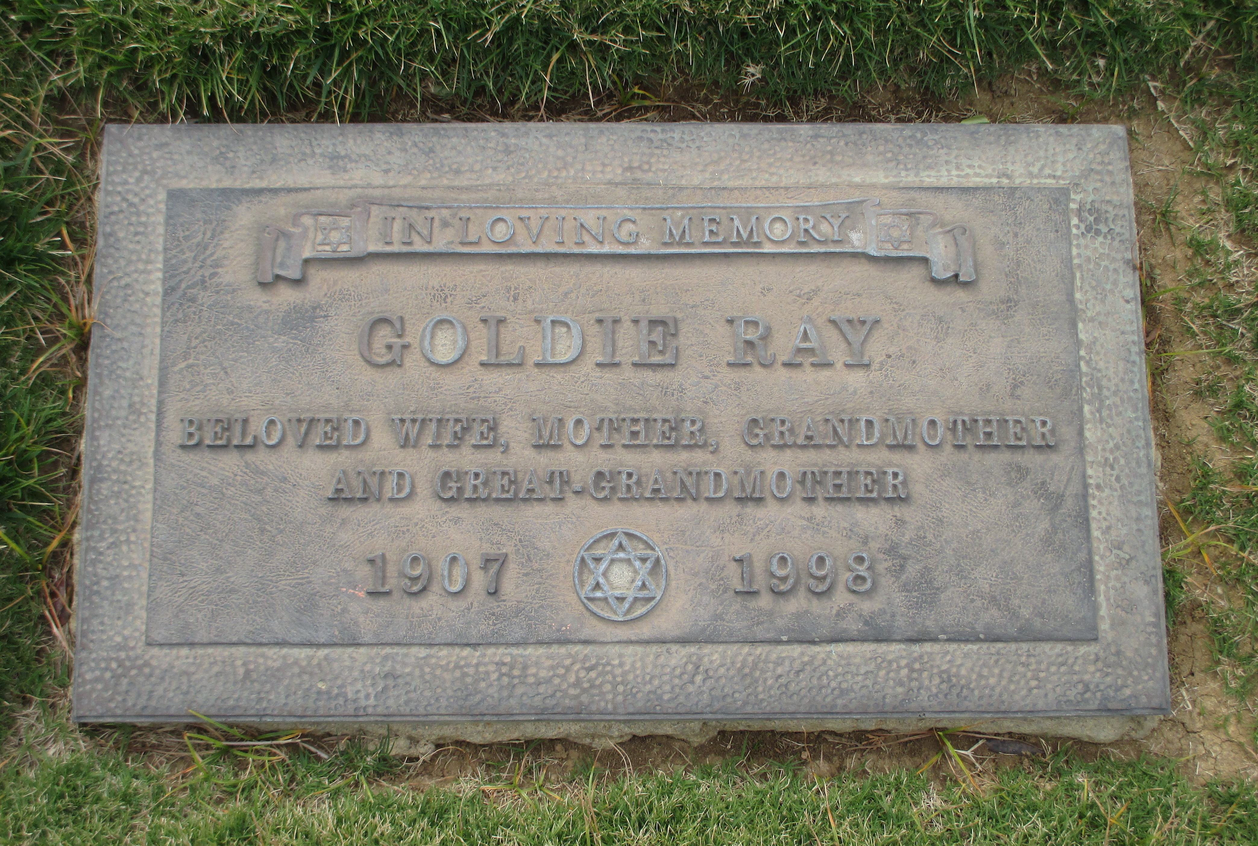 Goldie Ray